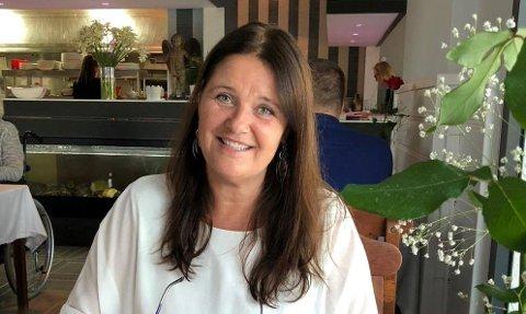 MOBILISERER: Heidi Molteberg (49) har tatt initiativet til Corona-hjelp Fredrikstad. Nå er hun rørt over den enorme responsen fra folk som vil hjelpe andre.