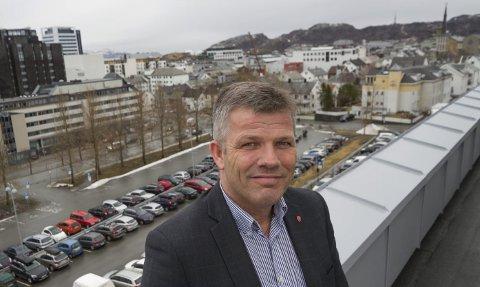 Leder Nordland Arbeiderparti, Bjørnar Skjæran, vil ikke gi opp kampen for Andøya flystasjon.
