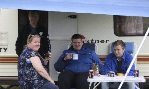 Volvoelskere: (f.v.) Else Karin Berget, Jens Steen, Herman Blindheim, Dagfinn Heggedal er ikke i tvil om hva som er best på fire hjul.