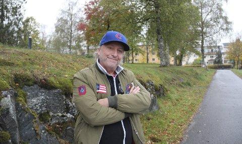 Terningkast fem: Dagbladets nestor innen litteratur, Fredrik Wandrup, har klinket til med en strålende anmeldelse av Levis novellesamling. Også Østlendingen gjør det samme.