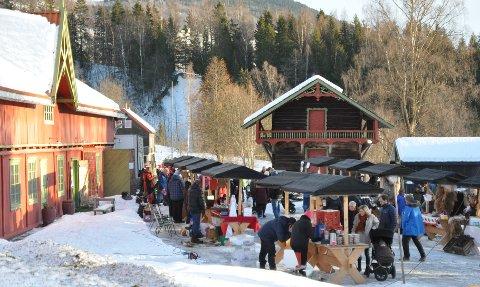 Fint vær og god stemning på helgas julemarked på Aulestad.