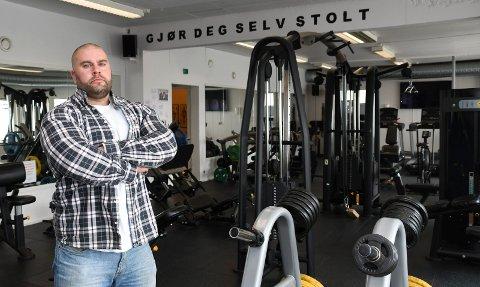 Oppgitt: Espen Nordhagen driver treningsenter både på Brøttum og Sjusjøen. 12 mars ble han pålagt å stenge.  Og han må fortsatt holde stengt, i minst fem uker til. 35-åringen har liten forståelse for regjeringens prioriteringen.