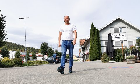 TAR STEGET: Ola Gunnar Kjos har eid 50 prosent av Hadeland Maskindrift. Nå har selskapet fått ny eier.
