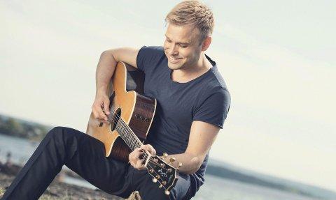 Plate og konsert: Christian Ingebrigtsen kommer med sin første norskspråklige plate fredag og legger turen til Vang kirke søndag for å promotere plata.