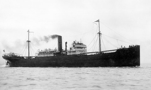 D/S «TONJER»: Wrangell-skipet seilte heldig gjennom alle krigsårene uten uhell eller skader.  FOTO: HAUGESUND REDERIFORENING