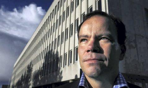 MOTVIND: Fylkesrådsleder Tomas  Norvoll jobber i motvind for å få ringvirkninger av oljevirksomheten på Helgeland. Foto: NFK