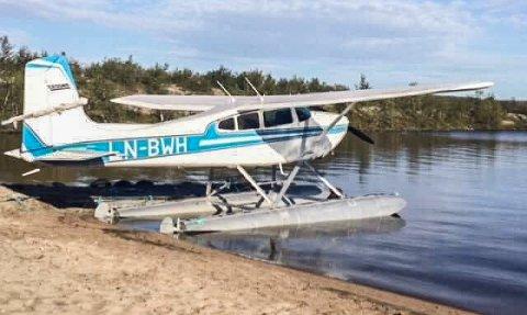I 40 år har sjøflyet, som fortsatt er i bruk av familien i Kautokeino, fått stå i fred. I forrige uke har noen gjort hærverk på flyet