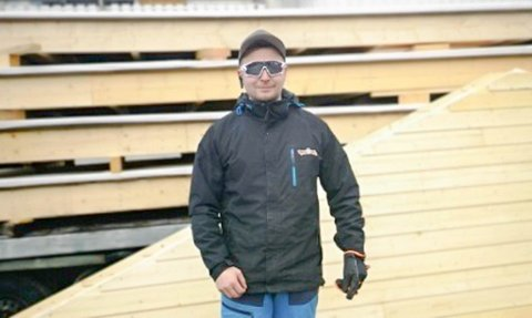 BYGGER SEG OPP: Morten Ailu Hætta Hansen er idag en av deleierne i Saha AS i Karasjok. Nå vil han og hans kolleger bygge leiligheter i Kautokeino.