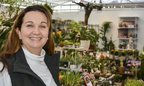 Vår: Det er full vår med tulipaner, perleblomster og løker i potter hos Line Mette Brekke Pedersen i Hageland Aurskog. Staben hennes på 10 ansatte, som utvides til mellom 15 og 17 i høysesongen, har bygget om butikken og fått bedre plass. Alle foto: Anne Enger Mjåland