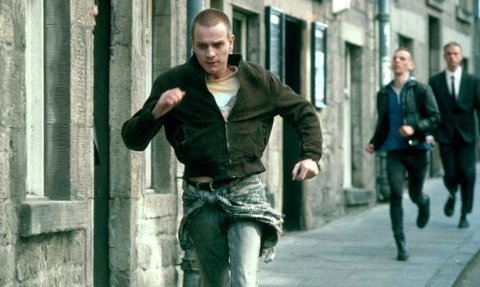 ACTION: Mark Renton og Spud fristet en actionfylt, men ikke veldig sunn tilværelse i Edinburgh i Trainspotting.