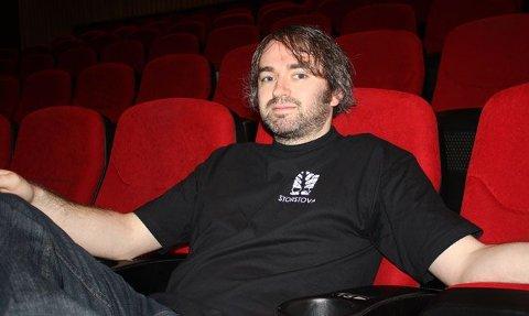 Erlend Serigstad i kinoen i Storstova.