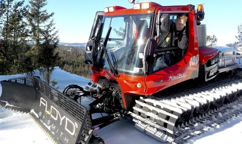 HOLDT ORD: Hans Petter Narverud og andre frivillige holdt ord og sørget for åpne skispor i Botnemarka og omkringliggende områder i påsken. foto: lars ivar hordnes