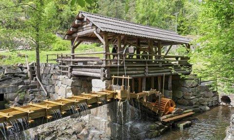 OPPGANGSSAG: Oppgangssaga satte fart i trelasthandelen fra midten av 1500- tallet. Et titall slike sagde for utskiping i Holmestrand. Foto: Innsendt av artikkelforfatter