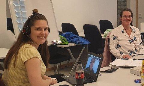 MD-GLEDE: Leder Berna Marie Sommerseth (t.v.) og kommunestyrerepresentant Tove Kongsvik jubler for at en klimarådgiver skal ansettes i kommunen i 2021.