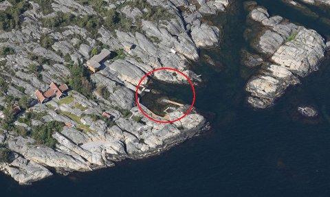 ELLINGSVIKA: Hytteeierne vil sprenge vekk undervannsskjær fem steder på dette området.