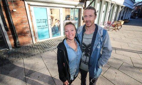 KREVENDE: Janne Kristoffersen og Kim Pettersen er i innspurten før åpningen i Moss. Situasjonen i Fredrikstad har imidlertid blitt krevende.