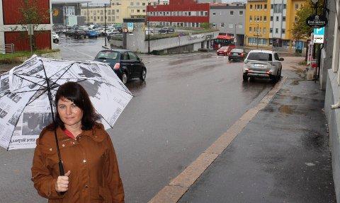 Ikke flere biler: - Jeg vil heller ha flere folk i byen, sier Nina Wagner fra MDG.