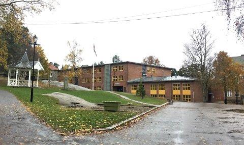 ELEV: En elev ved Nordstrand skole ble forfulgt av en mann i hvit varebil før helgen. Nå advarer foreldre og skolen.
