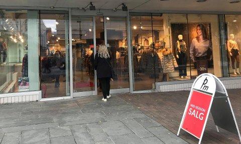 KONKURS: Kleskjeden PM har to butikker i Tromsø. Kjeden har gått konkurs og forsøket med å finne nye eiere har ikke nådd fram. Foto: Silje Solstad
