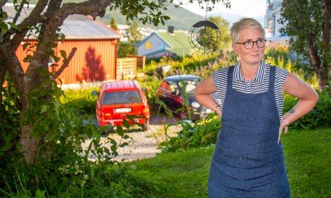 HÆRVERK: Anna Svensson fikk bildekket oppskåret med kniv i løpet av helgen.