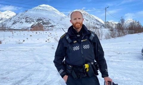 Innsatsleder Frank Lahelle fra Troms politidistrikt i Lyngen. Foto: Elvira Kolsing