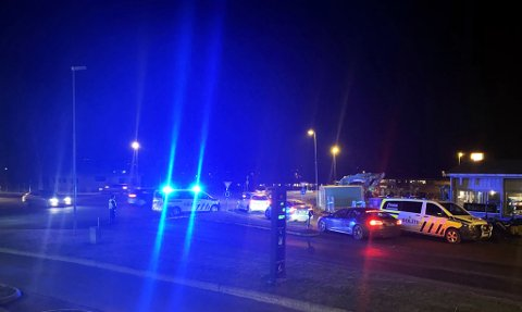 SMELL: Kollisjonen skjedde i rundkjøringen mellom Fylkesvei 33 og Ringveien.