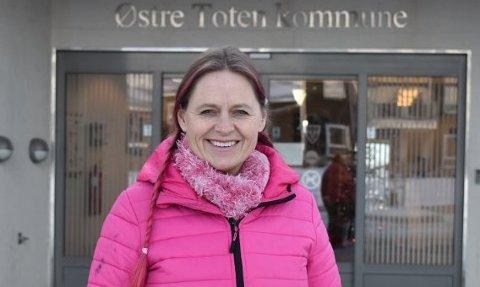 HAR FULGT OPP: Klima- og miljørådgiver Inger Lise Willerud har i løpet av noen dager fulgt opp to forsøplingssaker hos ordfører Bror Helgestad.