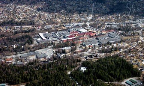 FARE FOR STREIK: Mange lokale bedrifter, flere av dem i Raufoss Industripark, kan bli tatt ut i streik fredag.