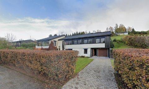 DYREST: Denne eneboligen ble den dyreste av nærmere 70 eiendomsoverdragelser i Gjøvik i mars.