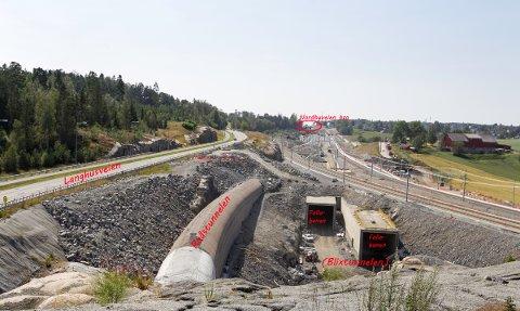 BYGGEGROP: Tre tunneler leder inn i tunnelportalen ved Langhusveien.