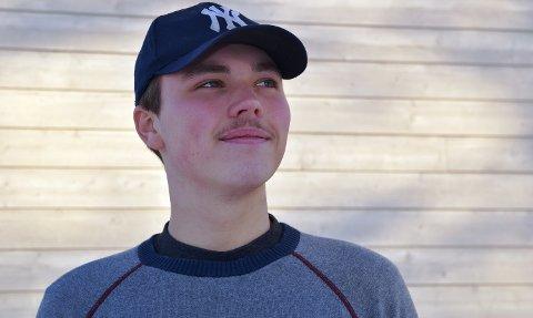 UTROLIG ENDRING: Peder Mobakk Pedersen (18) fra Åsnes har gått ned 63 kilo på litt over ett år. - Det viktigste for å lykkes er å ikke starte for hardt og å ville det sjøl, sier han.