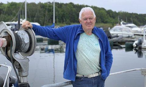 HVORFOR? Gunnar West Sørlie sier han fortsatt mangler en skikkelige begrunnelse for hvorfor han er suspendert fra Høyre. – I begrunnelsen står det at jeg har brutt reglementet. Når jeg spør om hvilket reglement, får jeg ikke noe svar, sier han til PD.