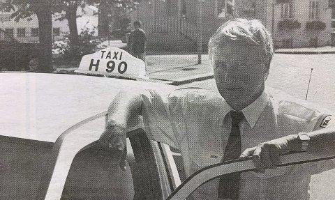 POSITIV: Formann Leif Grønnerød ved taxisentralen i Porsgrunn mener det vil være forholdsvis enkelt å legge om fra bensindrevne til propandrevne drosjer.