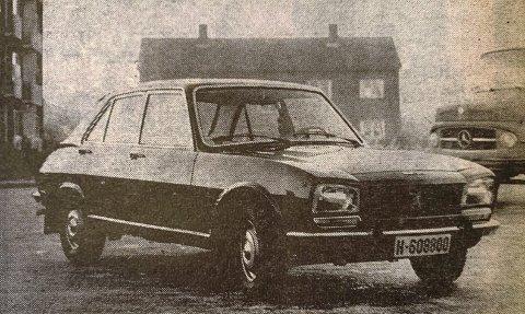 FLAGGSKIP: 98 HK høres ikke så mye ut på en så stor og kraftig bil som Peugeot 504, men det var i alle fall etter vårt utsagn.