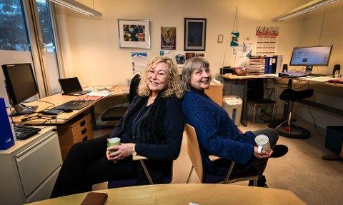 Skulder ved skulder vil Elin Gullesen Bratt (t.v.) og Elin Smith-Hansen, i alle fall ei tid framover, dele jobben som daglig leder for Termik Rana. Det ser begge fram til.