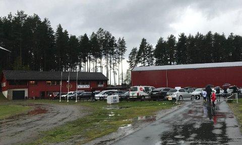 SVENSRUDMOEN: Russen mistet muligheten til å feste på Svensrudmoen etter at det ble funnet søppel og annen tilgrising i området.