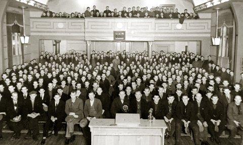 FULLT HUS: Fra møtet som Romerike faglige Samorganisasjon arrangerte i Folkets Hus 16. januar 1935. foto. ARBEIDERBEVEGELSES ARKIV OG BIBLIOTEK
