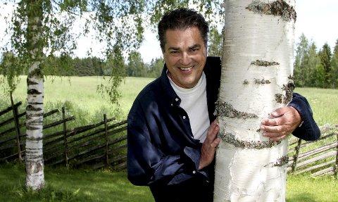 VENDER TILBAKE: Tande-P har gjort comeback i NRK og er for tiden aktuell som programleder for radioprogrammet «Ferievikarene» på P1. Han utelukker ikke framtidige prosjektet på kanalen.FOTO: STINE STRANDHAUG