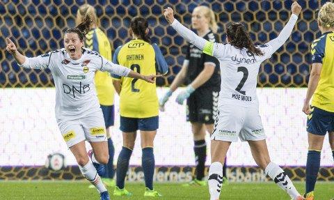 Volleyperle: Isabell Bachors 2-0-scoring var både vakker og viktig. Den tyske midtbanespilleren har nærmest gjort det til en vane å score i de store kampene for LSK kvinner. Begge foto: NTB scanpix