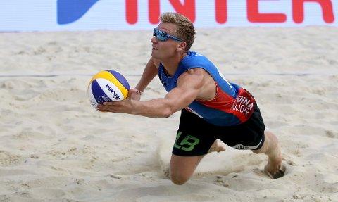 NY SPONSOR: Sandvolleyballduoen Christian Sørum og Anders Mol har skrevet sponsorkontrakt med Red Bull.