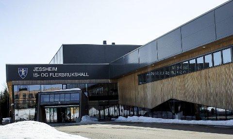 Søker om 30 millioner: Jessheim is- og flerbrukshall søker i år om drøyt 30 millioner kroner i spillemidler. Hallen er én av flere anlegg som søker om midler flere år etter at det sto ferdig.Foto: Martin Holterhuset