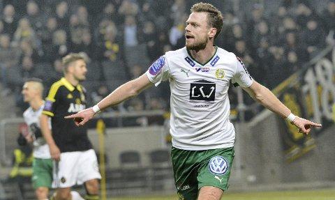 Målet: Arnor Smárason ble «derbykonge» i Hammarby og Stockholm allerede i 2016, etter et spektakulært mål mot AIK i den svenske cupens kvartfinale. På de åtte kampene LSK-nykommeren spilte mot rivalene AIK og Djurgården scoret han tre mål og hadde tre assist. Begge Foto: NTB scanpix