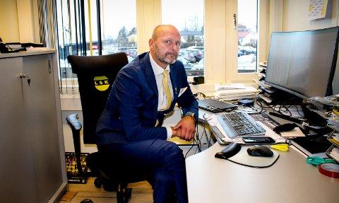 Tung dag på kontoret: Daglig leder Robert Lauritsen i Lillestrøm Sportsklubb etter nedrykket. Foto: Martin Holterhuset