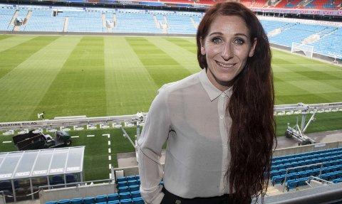 FØLGER MED: Direktør for elitefotball Lise Klaveness i Norges Fotballforbund mener LSK Kvinners europacuperfaringer er viktig for å heve nivået på den hjemlige serien. FOTO: NTB SCANPIX