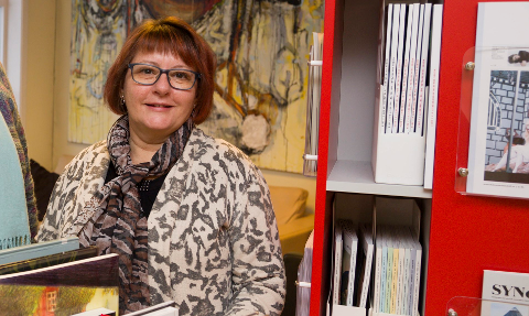 ELINS TUR: Det er bibliotekar Elin Sandsether som tar med seg leserne på en variert Litteraturkafé.