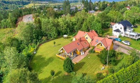 SOLGT: Terrasseveien 9 i Slemmestad ble solgt for 7 950 000 kroner.