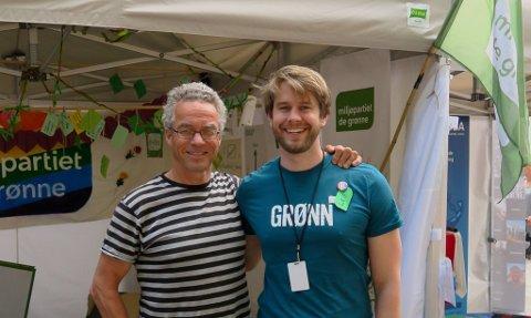 GRØNN GLEDE: MDG-leder Rasmus Hansson sammen med Leif Ingholm (t.h.), som er innstilt som ny leder av Oslo MDG.