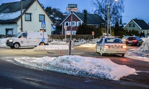 KRYSS: I løpet av året vil veivesenet avgjøre om det skal bli rundkjøring eller lysregulering i krysset Lingelemveien/Ringveien.