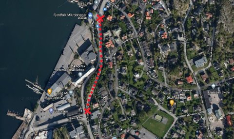STENGT: Denne strekningen på Framnesveien er nå helt stengt for gjennomgjøring i begge retninger.