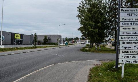 FORTAU: Nygårdsveien på Pindsle har noe fortau. Nå skal det bli tosidig fortausløsning hele veien, fra Ringveien til Raveien.